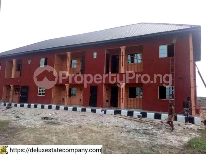 9 bedroom Mini flat for sale At Fupre School Ugbomro,warri Delta State Warri Delta - 3