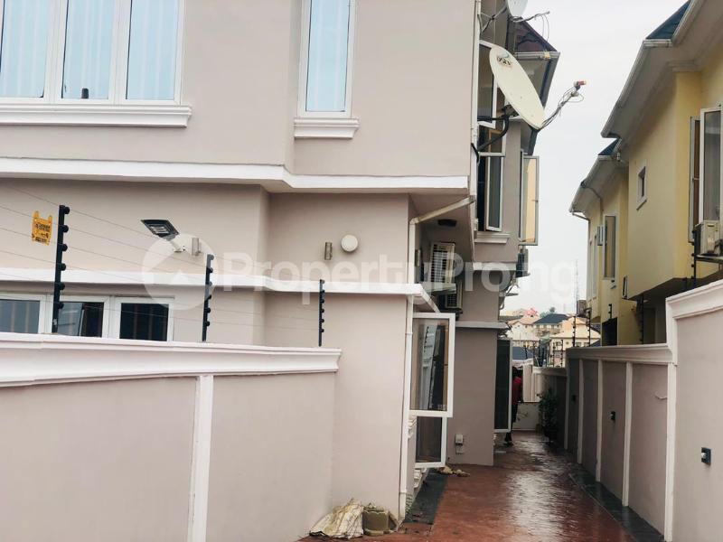 3 bedroom Semi Detached Duplex House for rent Magodo GRA Phase 2 Kosofe/Ikosi Lagos - 1