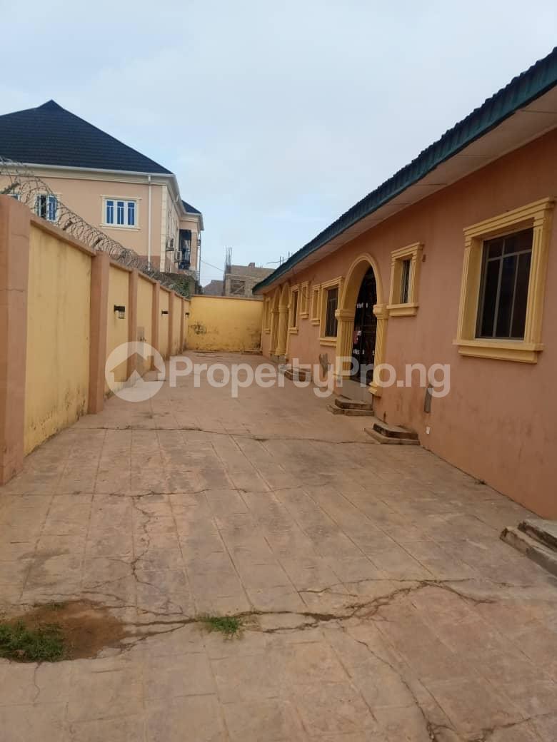 3 bedroom Flat / Apartment for rent Elebu ajila area,off akala express ibadan Akala Express Ibadan Oyo - 0