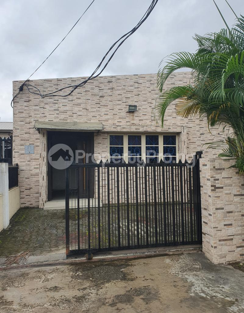 3 bedroom Detached Bungalow House for rent Off Adeniran Ogunsanya Adeniran Ogunsanya Surulere Lagos - 6