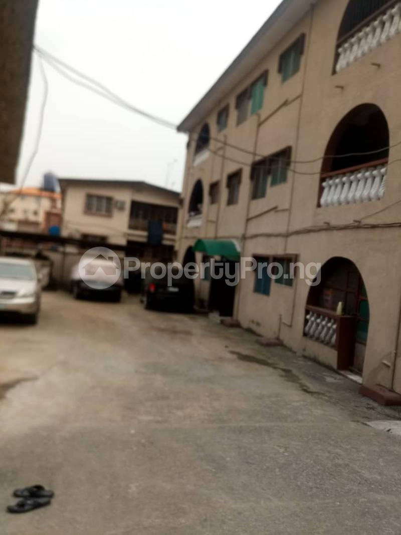 3 bedroom Flat / Apartment for rent   Akoka Yaba Lagos - 1