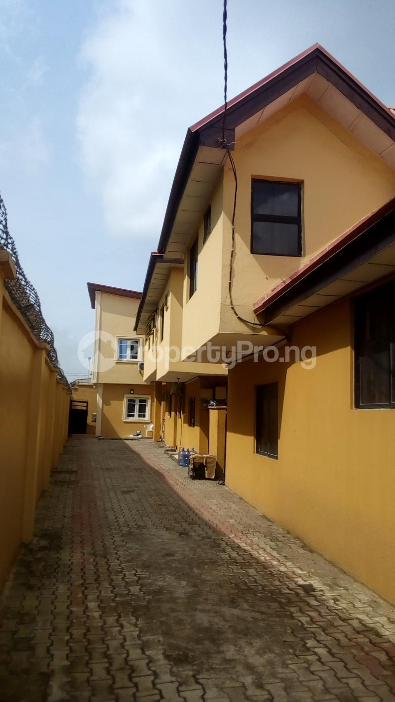 4 bedroom Terraced Duplex House for rent Atunrase Estate Atunrase Medina Gbagada Lagos - 0