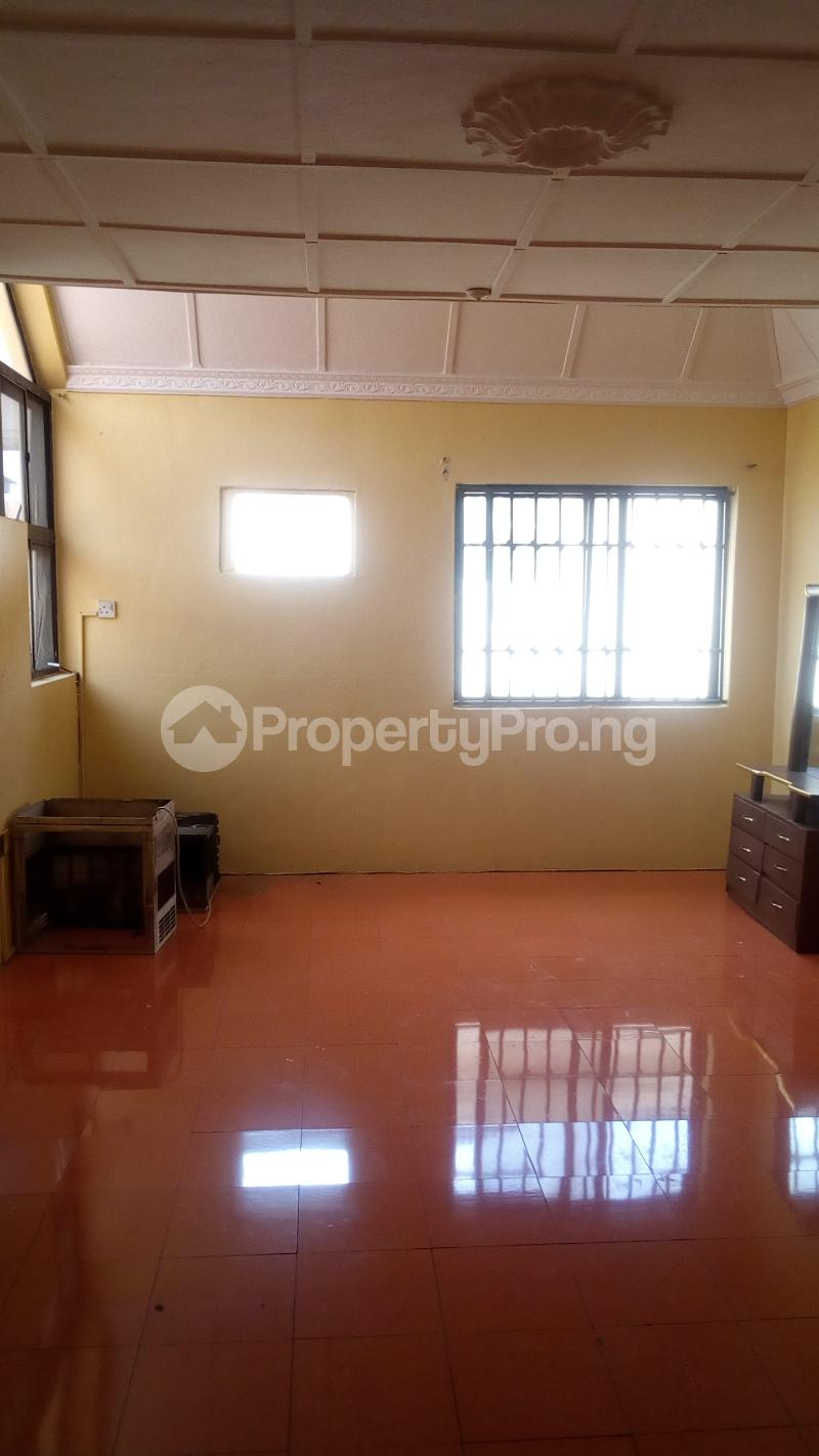 4 bedroom Terraced Duplex House for rent Atunrase Estate Atunrase Medina Gbagada Lagos - 4