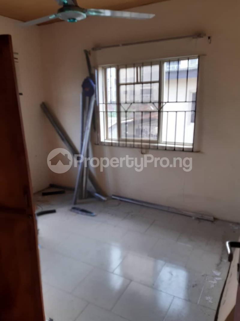 3 bedroom Flat / Apartment for rent Ogunsami Street off Shaki Crescent By Adekunle Kuye  Adelabu Surulere Lagos - 2