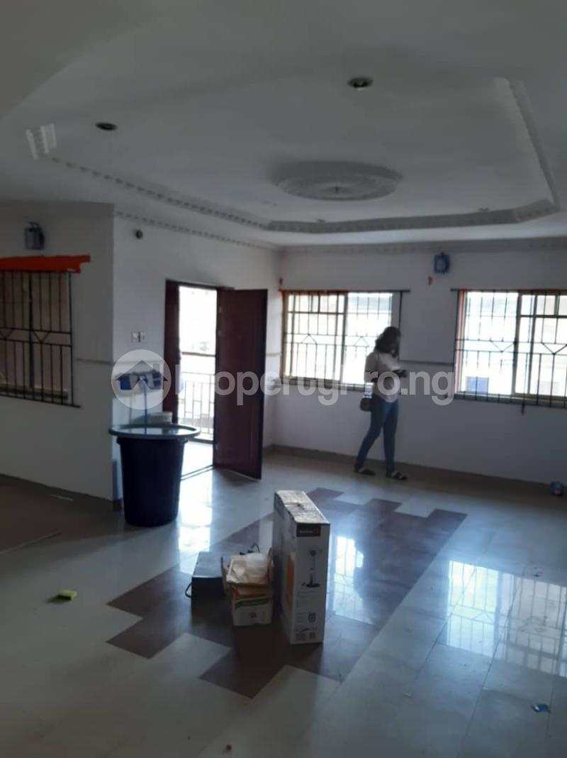 3 bedroom Flat / Apartment for rent Ogunsami Street off Shaki Crescent By Adekunle Kuye  Adelabu Surulere Lagos - 3