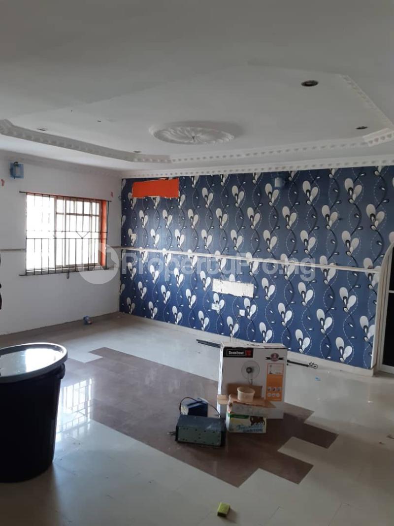3 bedroom Flat / Apartment for rent Ogunsami Street off Shaki Crescent By Adekunle Kuye  Adelabu Surulere Lagos - 11