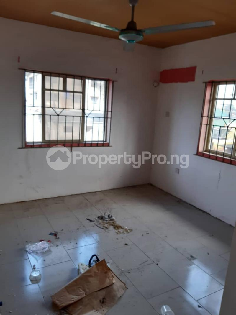 3 bedroom Flat / Apartment for rent Ogunsami Street off Shaki Crescent By Adekunle Kuye  Adelabu Surulere Lagos - 8