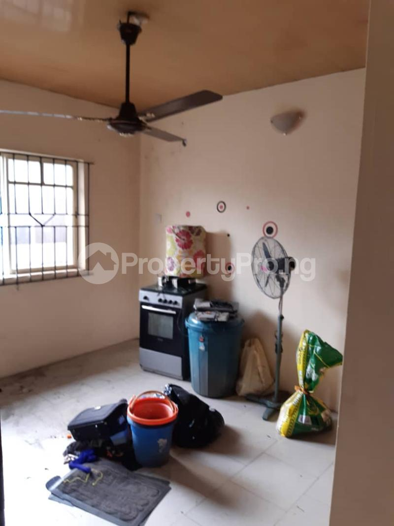 3 bedroom Flat / Apartment for rent Ogunsami Street off Shaki Crescent By Adekunle Kuye  Adelabu Surulere Lagos - 10