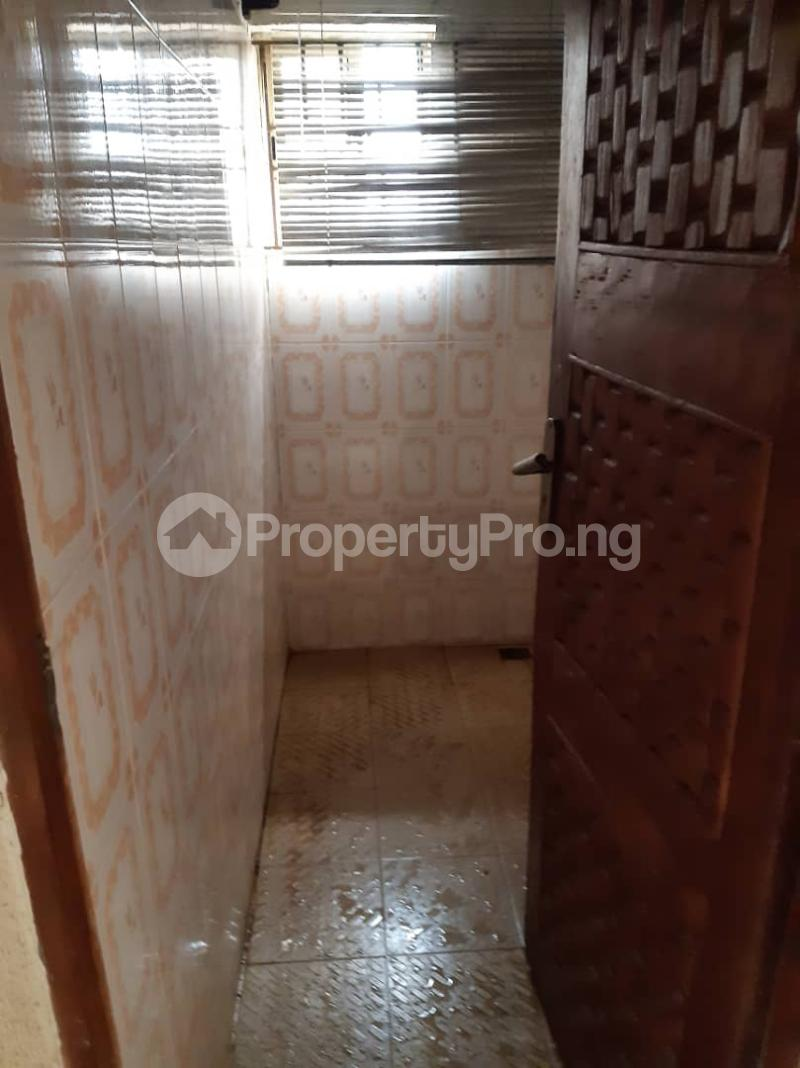 3 bedroom Flat / Apartment for rent Ogunsami Street off Shaki Crescent By Adekunle Kuye  Adelabu Surulere Lagos - 5