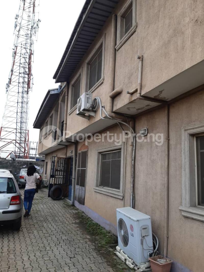 3 bedroom Flat / Apartment for rent Ogunsami Street off Shaki Crescent By Adekunle Kuye  Adelabu Surulere Lagos - 0