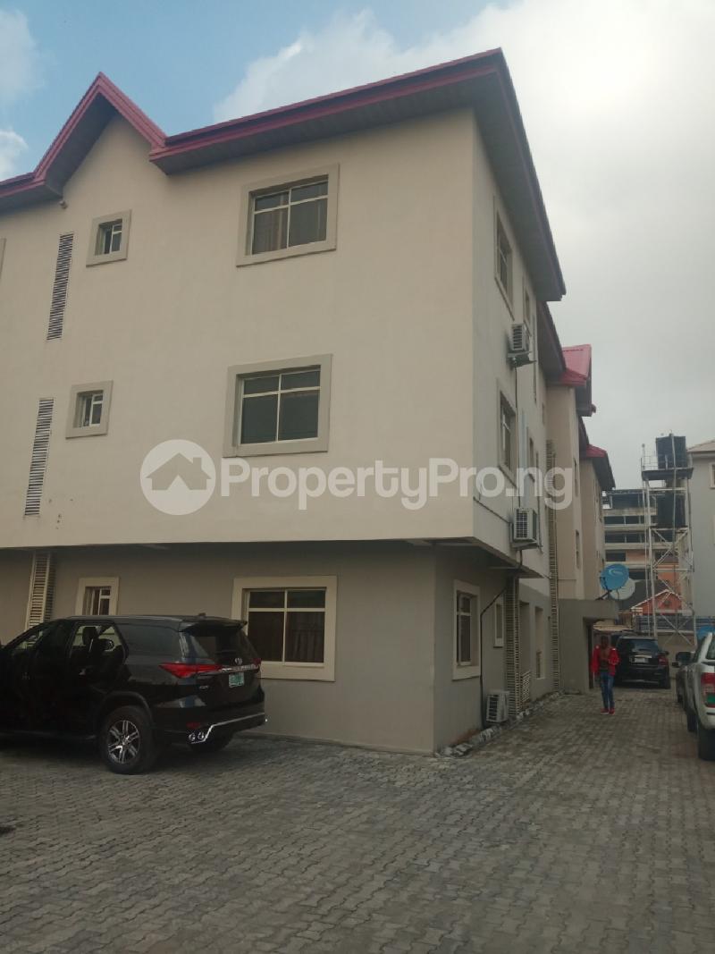 3 bedroom Flat / Apartment for rent Off Babatunde Anjous Lekki Phase 1 Lekki Lagos - 10