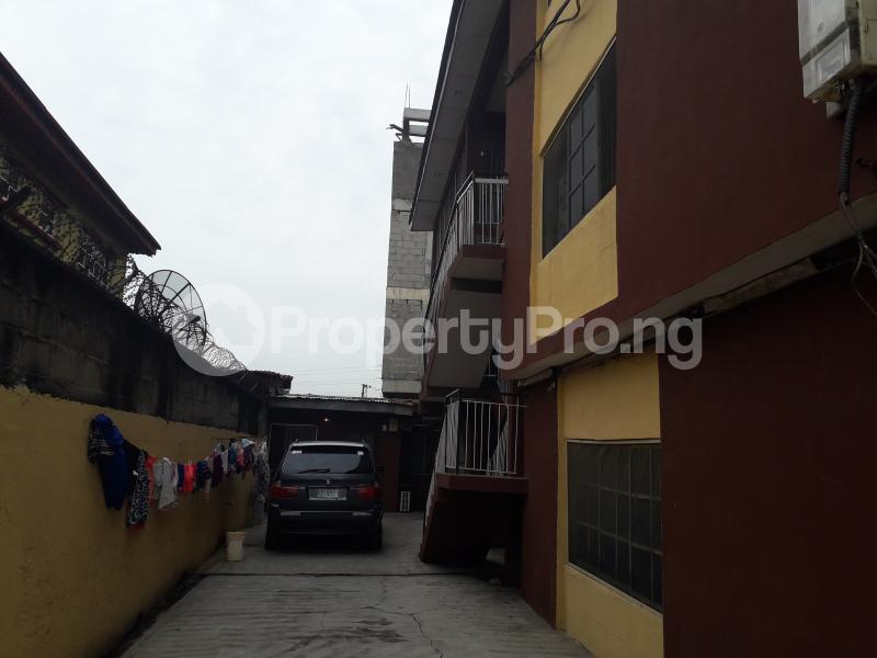 2 bedroom Office Space for rent Atunrashe Estate Close To Road Atunrase Medina Gbagada Lagos - 5