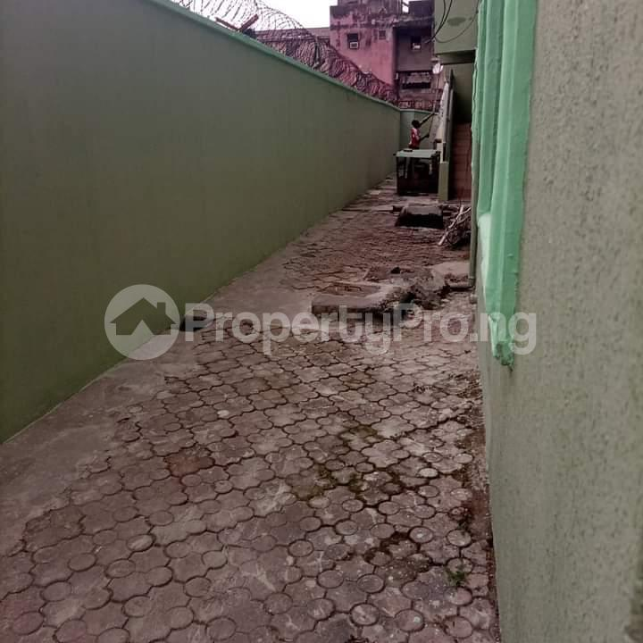 3 bedroom Flat / Apartment for rent Alagomeji Yaba Lagos - 1