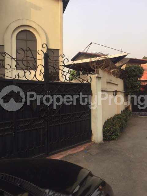 4 bedroom Terraced Duplex for sale Shonibare Estate Maryland Lagos - 10