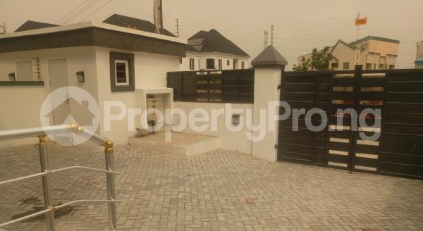 4 bedroom Semi Detached Duplex House for sale White Oak Estate,  Ologolo Lekki Lagos - 3