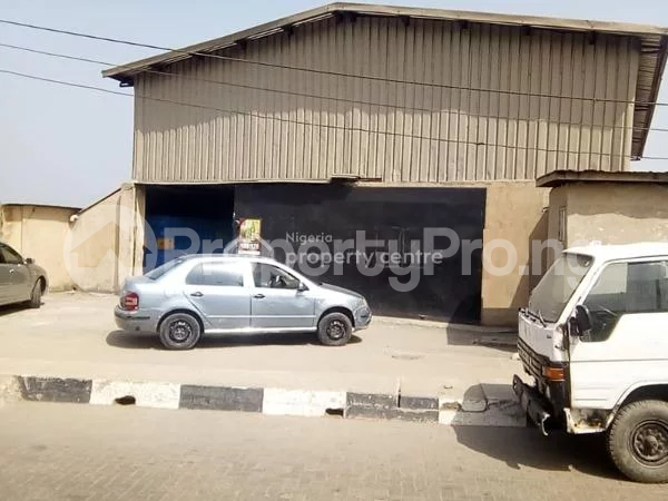 Warehouse Commercial Property for sale OWORONSHOKI Shomolu Shomolu Lagos - 0