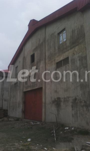 Commercial Property for sale 2 bay warehouse along Oshodi-Apapa expressway before Cele busstop Oshodi Expressway Oshodi Lagos - 3