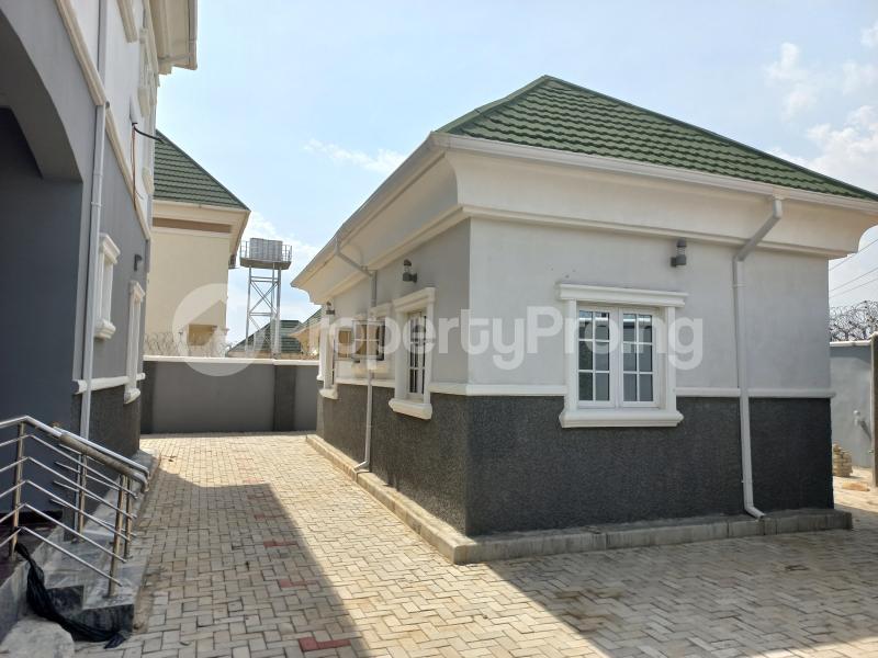 5 bedroom Detached Duplex for sale   Gwarinpa Abuja - 9