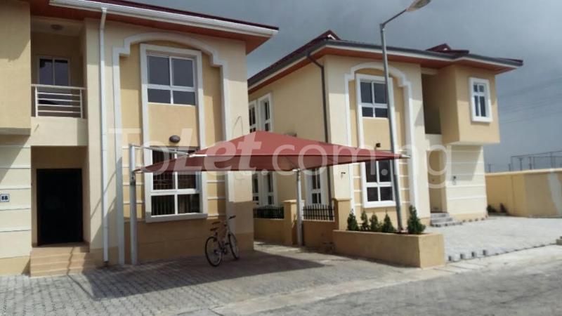 4 bedroom House for rent bourdillon court chevron Lekki Lagos - 0