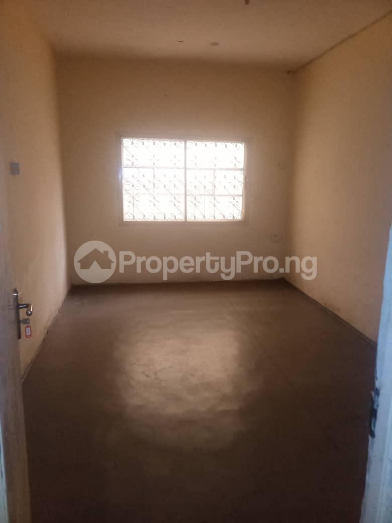 3 bedroom Flat / Apartment for rent Off Masha Road Ogunlana Surulere Lagos - 4