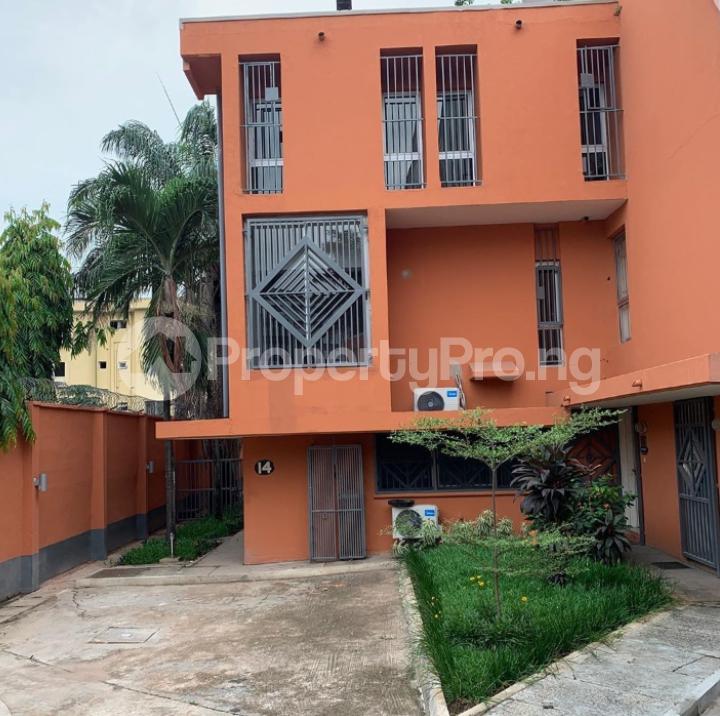 4 bedroom Terraced Duplex for rent Gerard road Ikoyi Lagos - 5