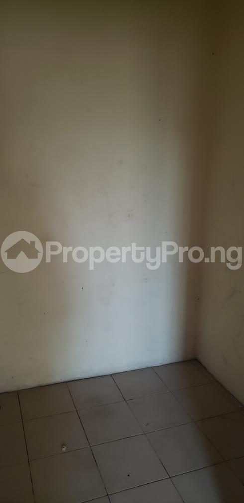2 bedroom Blocks of Flats House for rent Olasepe estate madonna  Berger Ojodu Lagos - 7