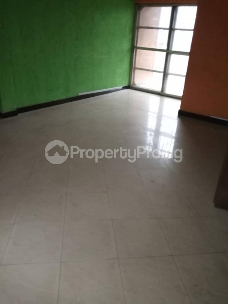 3 bedroom Flat / Apartment for rent Ashimohu Street by Ramoni Street Lawanson Surulere Lagos - 13