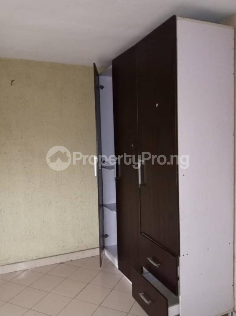 3 bedroom Flat / Apartment for rent Ashimohu Street by Ramoni Street Lawanson Surulere Lagos - 2