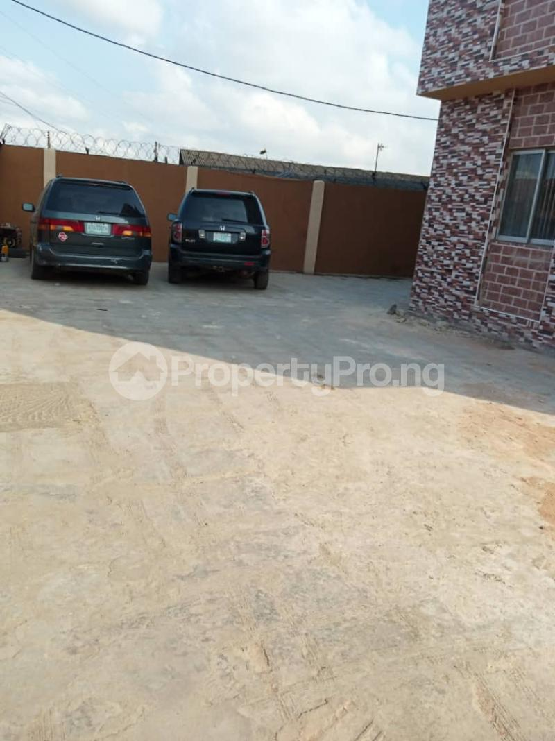 3 bedroom Flat / Apartment for rent Ashimohu Street by Ramoni Street Lawanson Surulere Lagos - 30