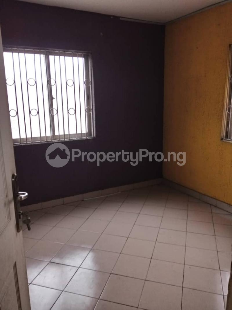 3 bedroom Flat / Apartment for rent Ashimohu Street by Ramoni Street Lawanson Surulere Lagos - 7