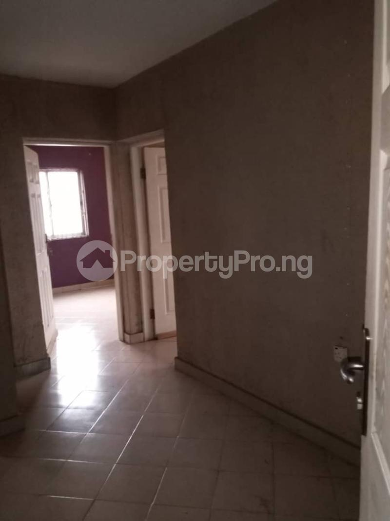 3 bedroom Flat / Apartment for rent Ashimohu Street by Ramoni Street Lawanson Surulere Lagos - 10
