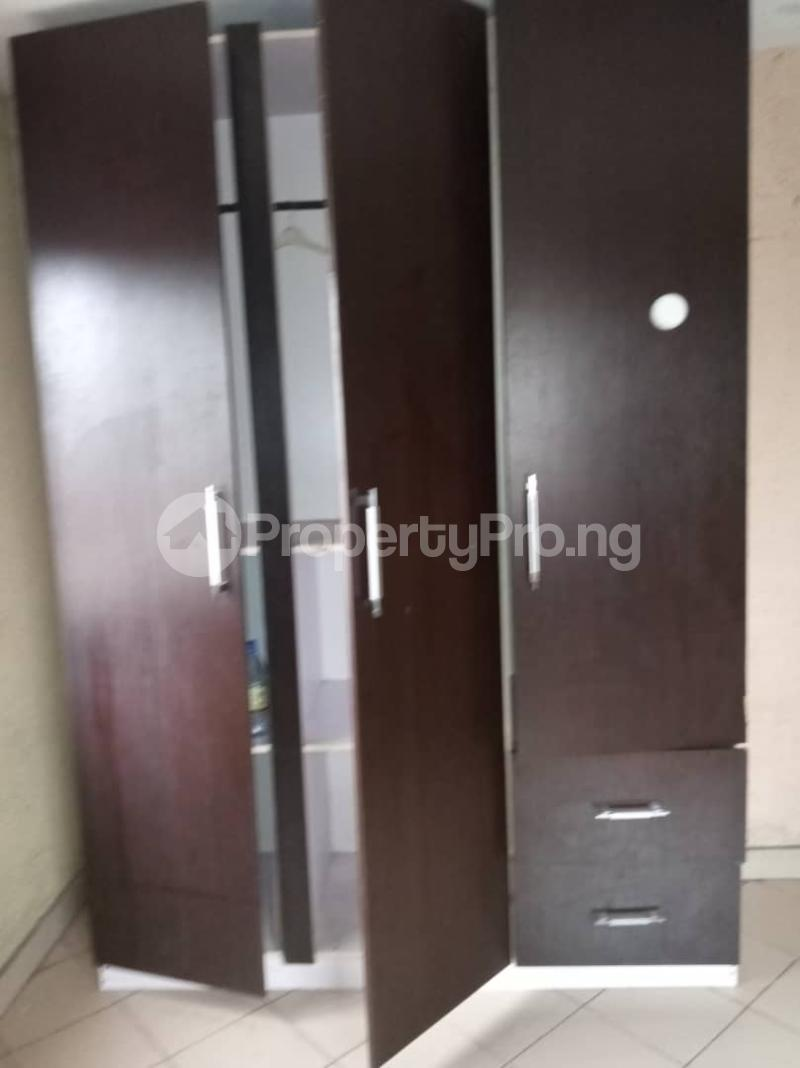 3 bedroom Flat / Apartment for rent Ashimohu Street by Ramoni Street Lawanson Surulere Lagos - 17