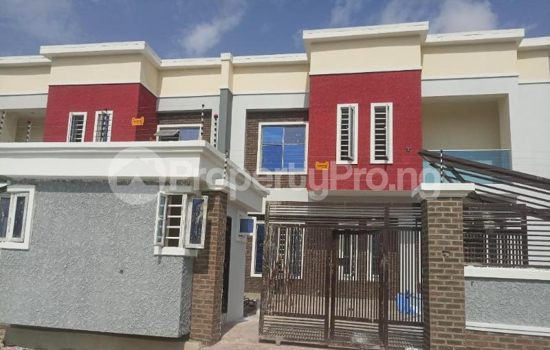 4 bedroom Terraced Duplex House for sale After the 2nd Toll gate, Between Chevron and VGC, Ikota, Lekki Phase 2,  Creek Avenue Court Ikota Lekki Lagos - 17