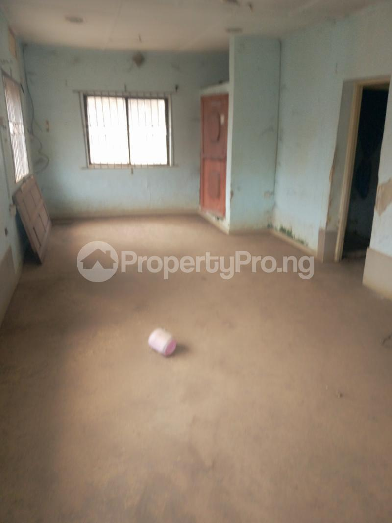 4 bedroom House for sale Buknor Estate Bucknor Isolo Lagos - 3