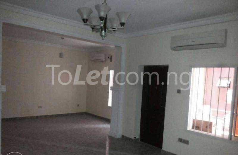 5 bedroom Penthouse Flat / Apartment for rent -Raymond st Sabo Yaba Lagos - 1