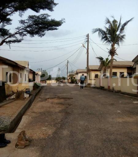 3 bedroom Detached Bungalow for sale Happy People Estate Off Lagos Ibadan Expressway; Magboro Obafemi Owode Ogun - 3