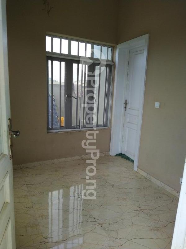 5 bedroom Semi Detached Duplex House for sale New Road Lekki Lagos Ikate Lekki Lagos - 9