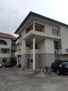 3 bedroom Blocks of Flats House for rent Off palace road ONIRU Victoria Island Lagos