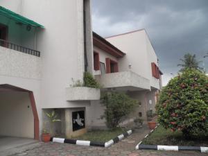 10 bedroom House for rent Awuse estate,off Ajanku  Ikeja Ikeja Lagos