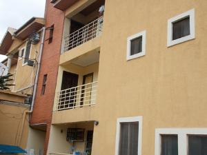3 bedroom Flat / Apartment for rent Olorunda Estate, Ketu Kosofe/Ikosi Lagos