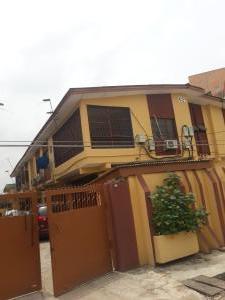 Blocks of Flats House for sale Bayo Oyewole, Ago palace  Ago palace Okota Lagos