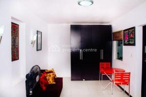 1 bedroom Self Contain for shortlet   Osapa london Lekki Lagos