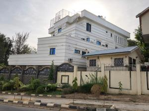 10 bedroom Massionette House for sale Maitama Maitama Abuja