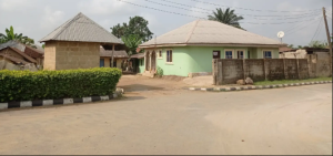 10 bedroom House for sale Ikot Eneobong road by the police post Calabar Cross River