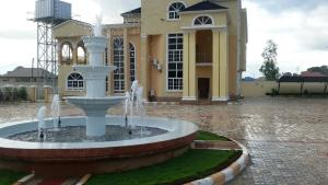 10 bedroom House for sale Rayfield Jos South Plateau