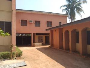 10 bedroom Blocks of Flats House for sale is located at Tanke sanrab along big boy Junction Close to Emmanuel Baptist College Area ilorin  very close to the road side  Ilorin Kwara