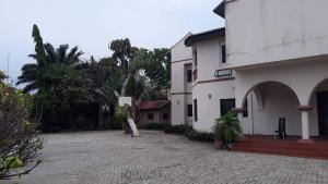 House for rent Off Admiralty road Lekki Phase 1 Lekki Lagos