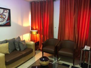 2 bedroom Hotel/Guest House Commercial Property for shortlet 3, Shakiru Anjorin Street, Off Kayode Otitoju Street, Off Admiralty Way Lekki Phase 1 Lekki Lagos