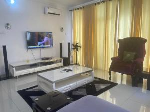 2 bedroom Flat / Apartment for shortlet Cromwell Estate chevron Lekki Lagos