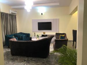 2 bedroom Detached Duplex for shortlet   Lekki Lagos